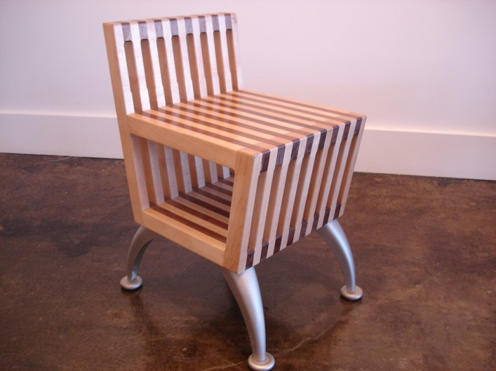 4SiOo19sQD2aRoOola7F_CustomMade-chair-with-storage-707x530.jpg
