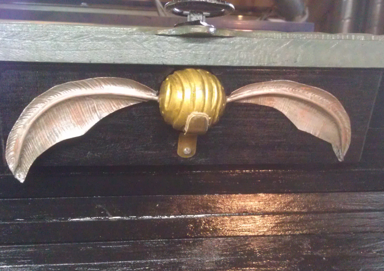 Anthony included an insert to hold the winged Golden Snitch.