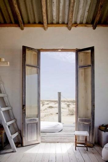 X9E45tqvSgq3iuB3QO0T_700_uruguay-beach-house-front-door-353x530.jpg