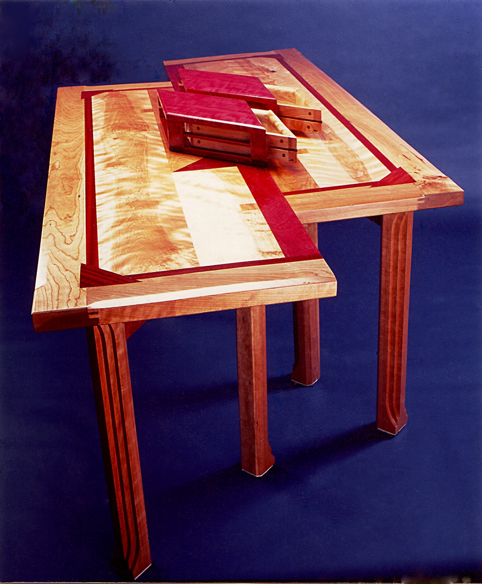 YK825NeRkitGmuSiz88P_The-Table-with-Eight-Legs-can-become-two-slender-tables-or-desks.-Burgeonwood-Inc.-at-CustomMade.com_.jpg