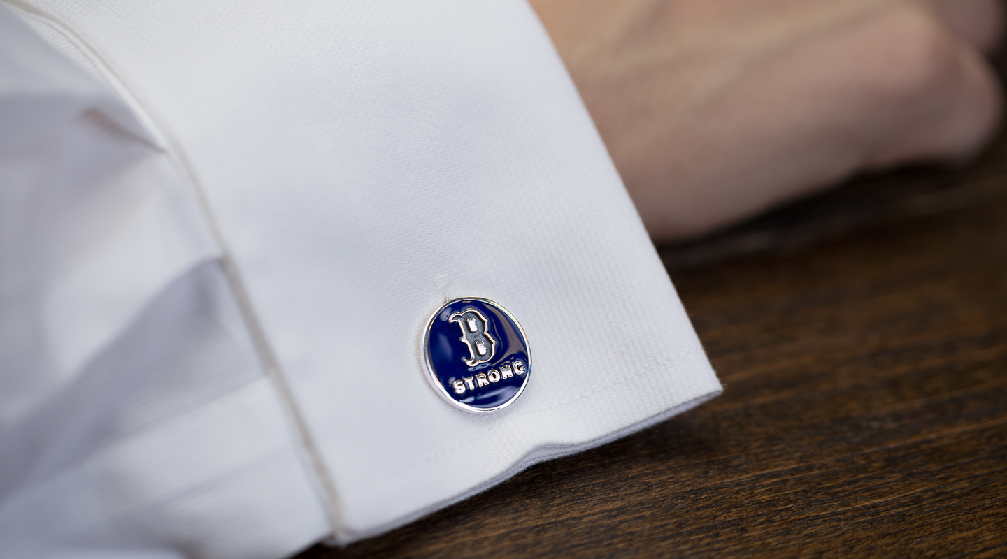 z8z6dVloTha7yO7lBeqZ_CustomMade_Boston_Strong_Cufflinks_2.jpg