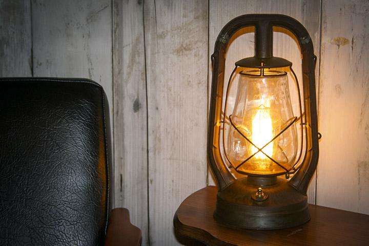 Reclaim, Reverse, Resurrect: Lamp Finish Product Photograph