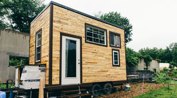 scaling down tiny house build outside of house - Largest Tiny House On Wheels