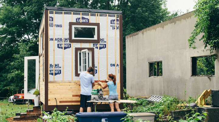 Scaling Down - Building a Tiny House - Outside Construction