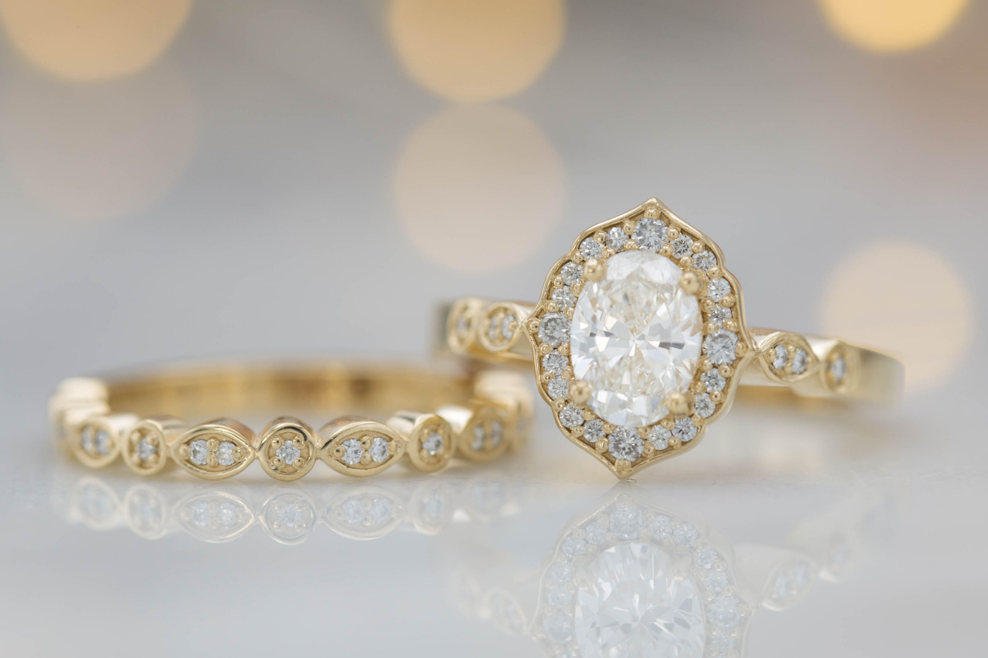 Vintage-inspired floral bridal set in yellow gold and diamond
